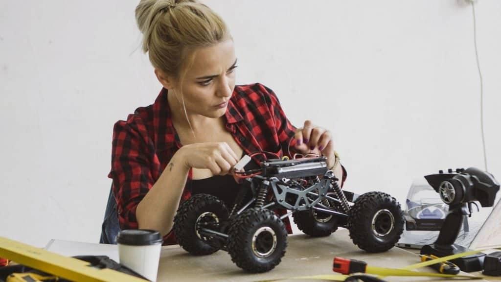 Avtomobili na daljinsko vodenje: Kaj morate vedeti?